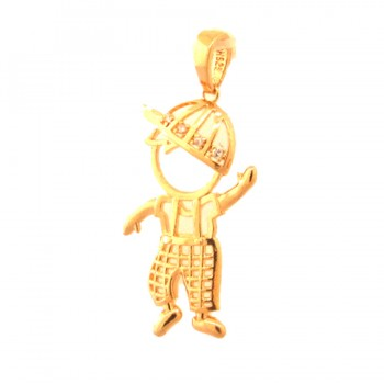 Pingente menino com roupa vazada e bone zirconia cristal. 160008